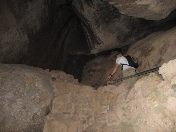 bear-gulch-cave-pinnacles