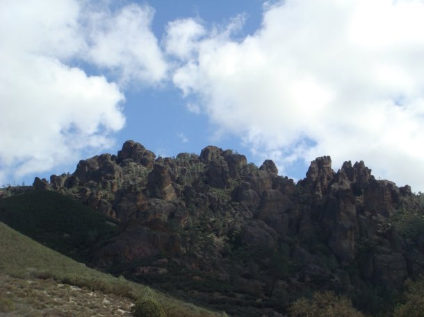 condor-crags-pinnacles-national-park