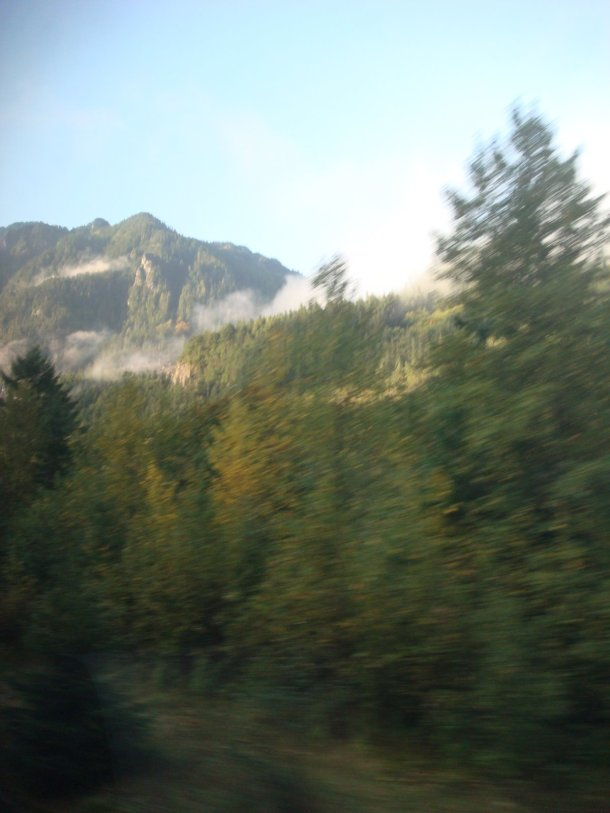 cascade-mountains-washington-from-train