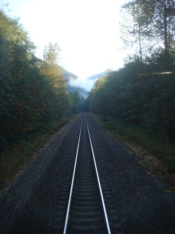 cascade-mountains-washington-from-train