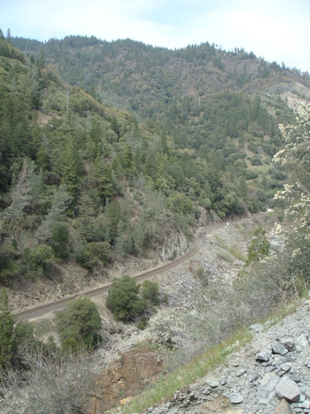 railroad-feather-river-canyon