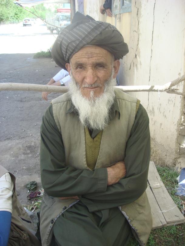 afghan man salang pass