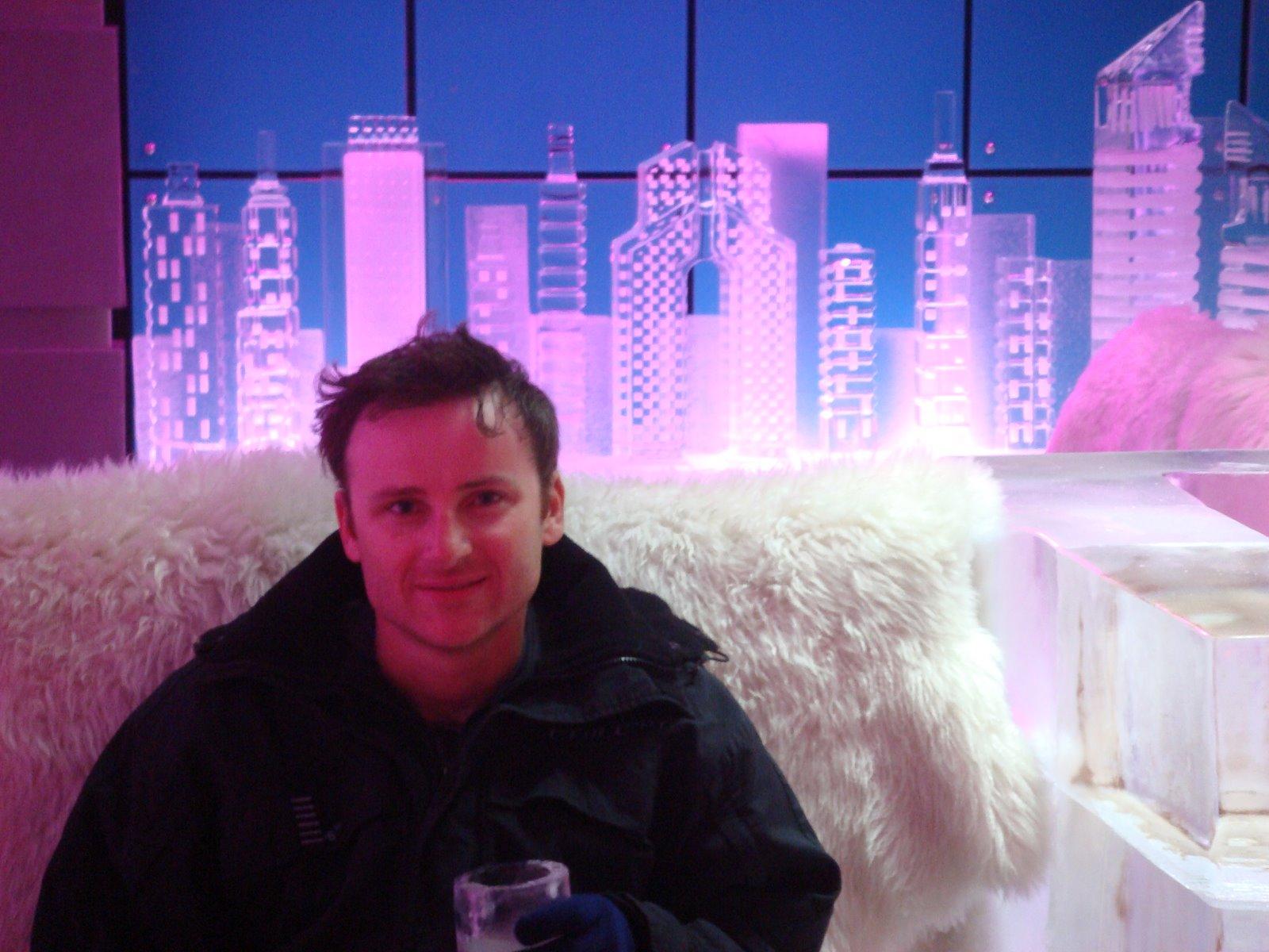 Chill Out An Ice Bar In Dubai The Velvet Rocket