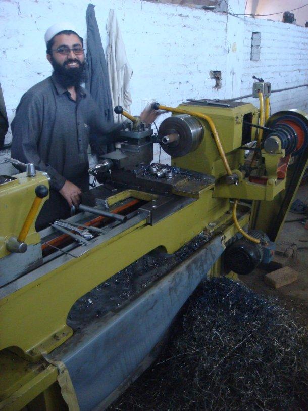 gun-factory-pakistan