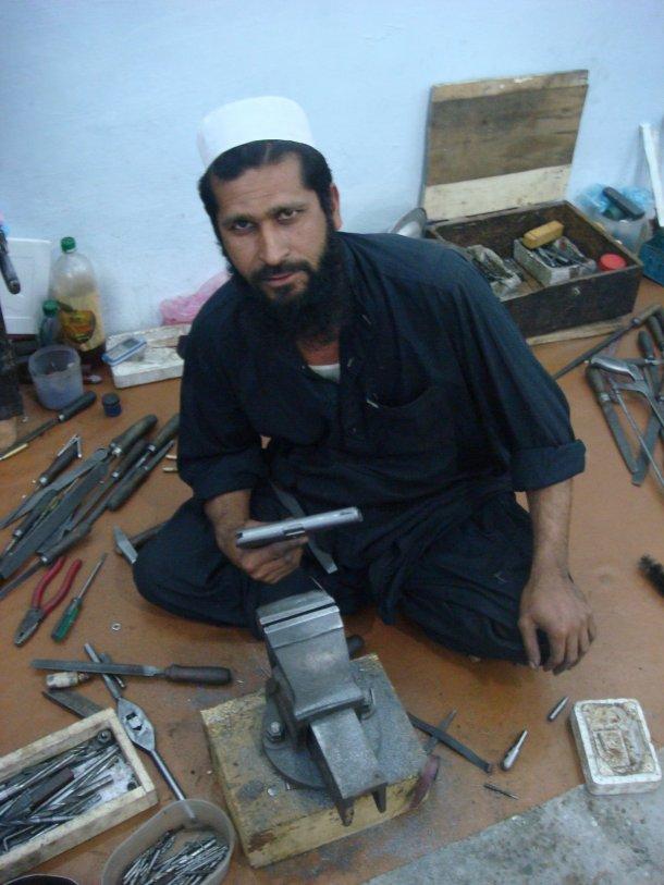 gun-smuggling-pakistan