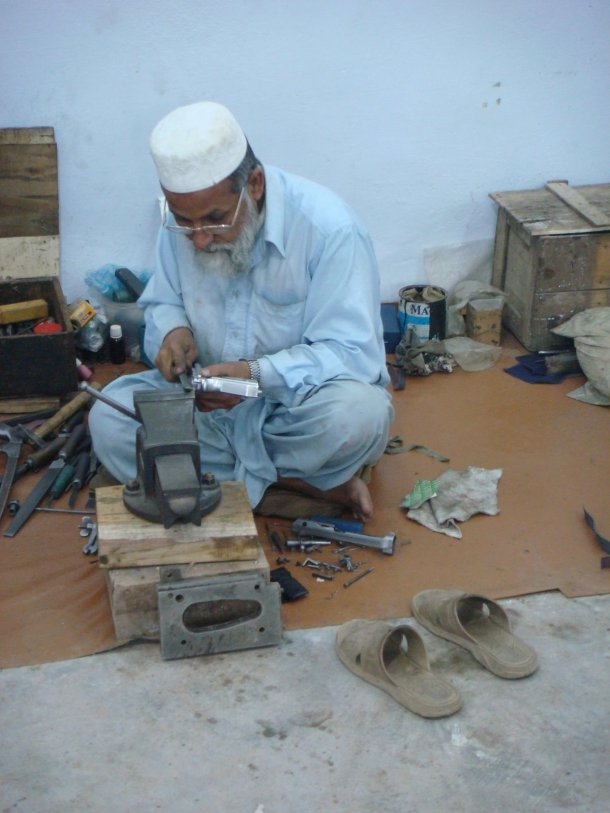 handgun-assembly-pakistan