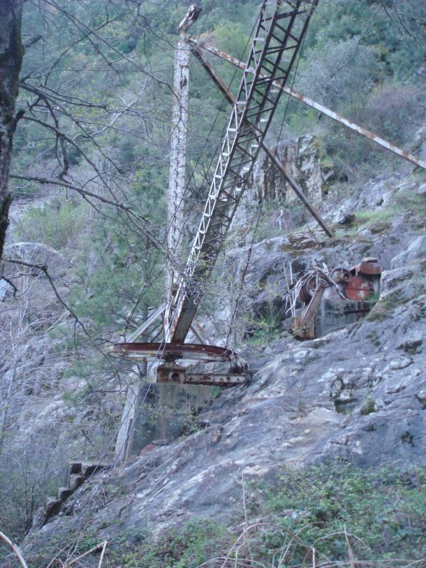 crane-bullards-bar-dam