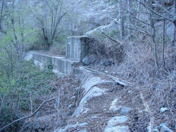 weir-bullards-bar-dam-yuba-county-california