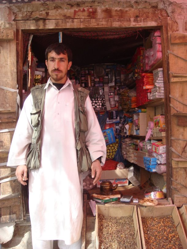afghan-shopkeeper