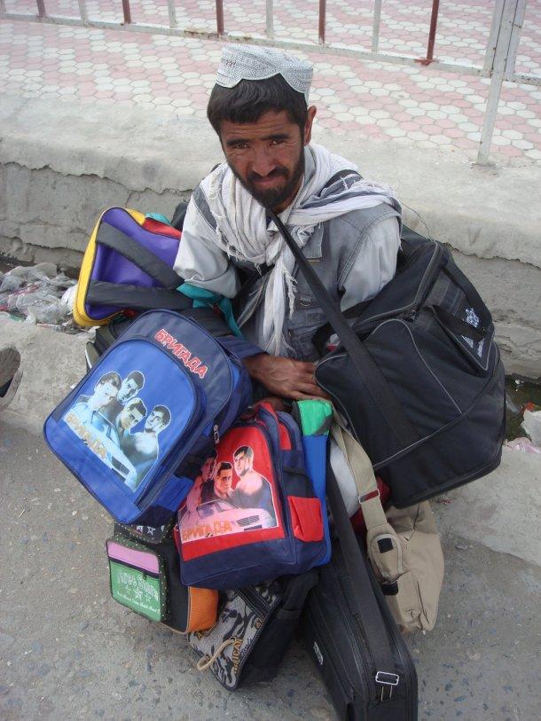 bag-seller-kabul