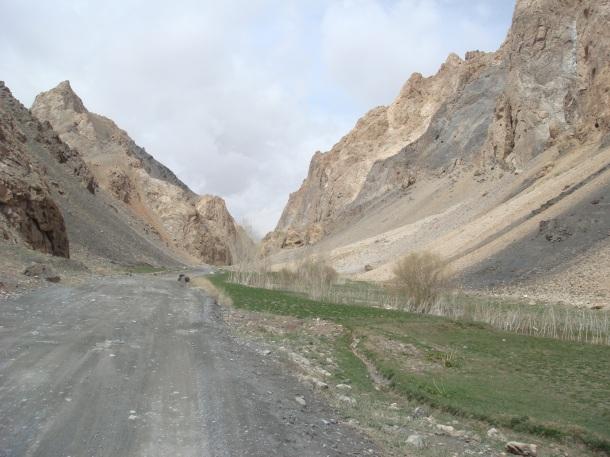 Band-I-Mir-road