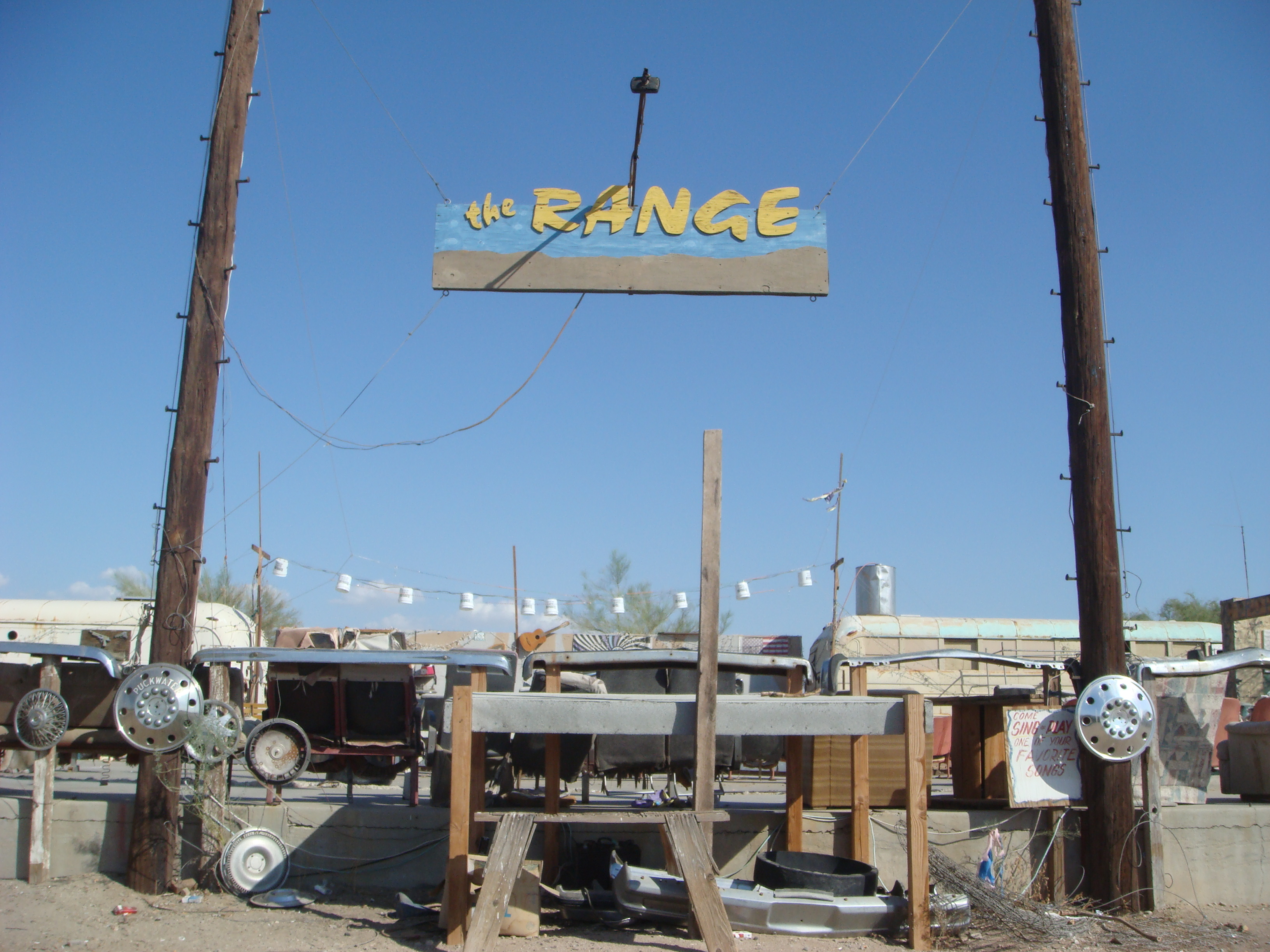 the salton sea pictures and scenes of slab city the. Black Bedroom Furniture Sets. Home Design Ideas