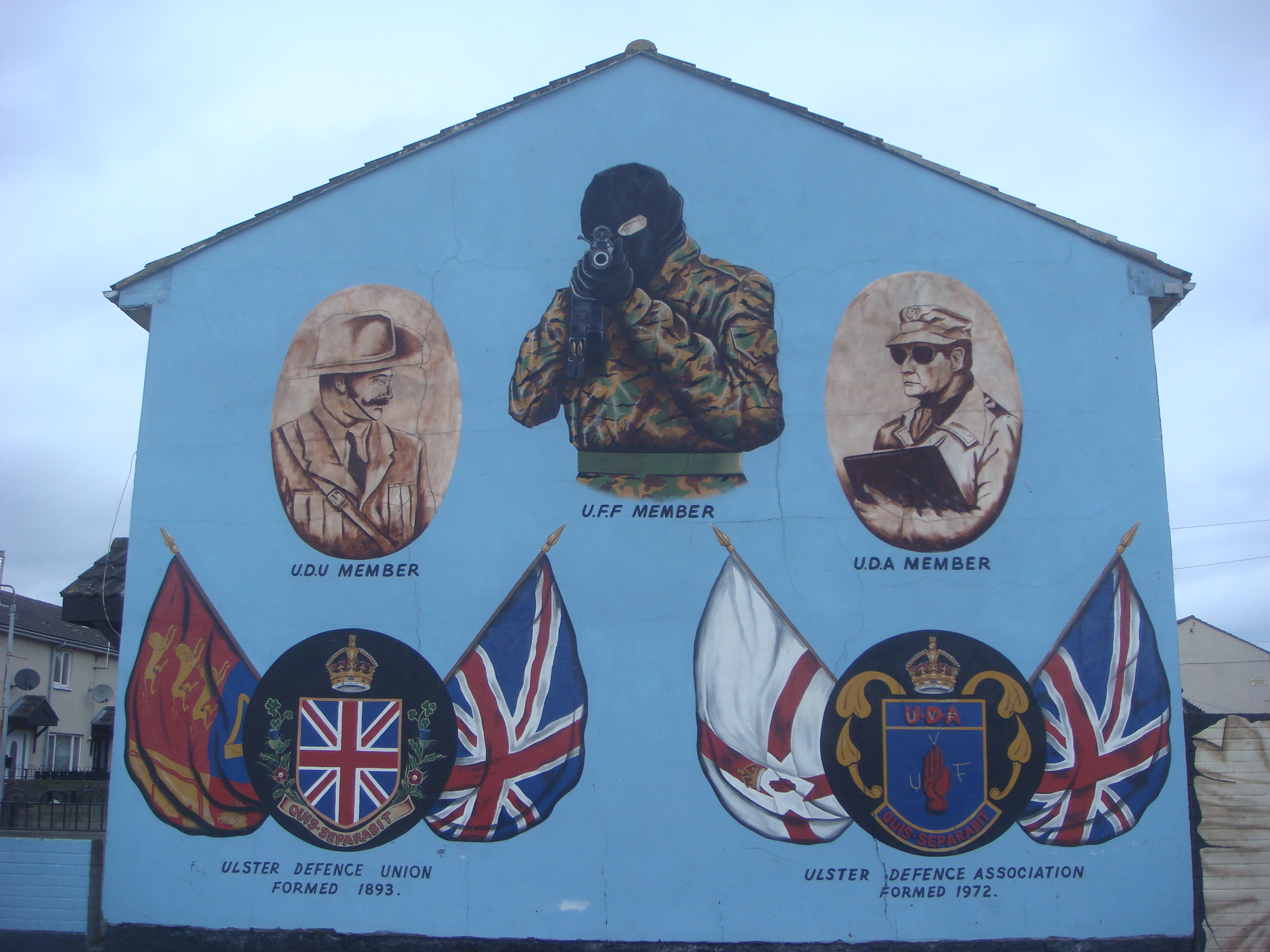 Belfast northern ireland the bombs and bullets tour for Mural ireland
