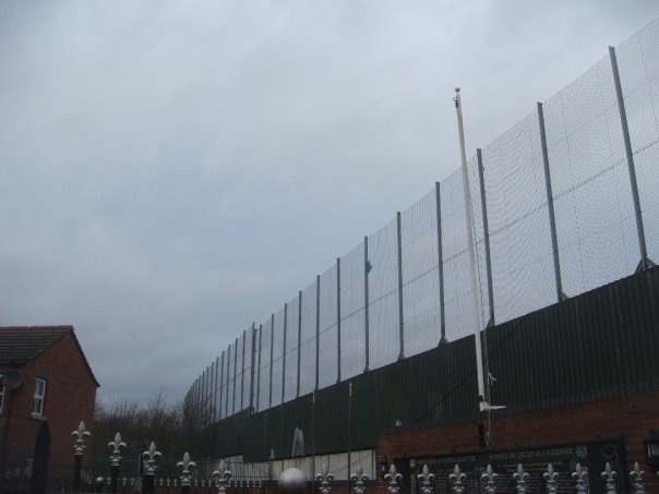 peace-wall-belfast-northern-ireland