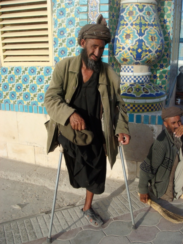 crippled-by-land-mine-afghanistan