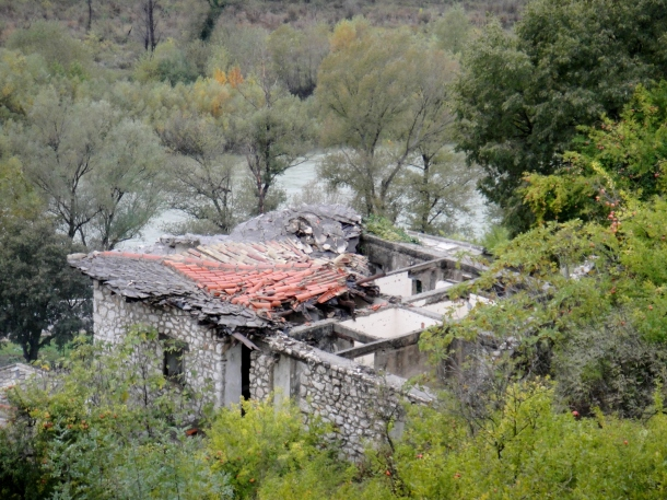 Pocitelj-bosnia-war-damage