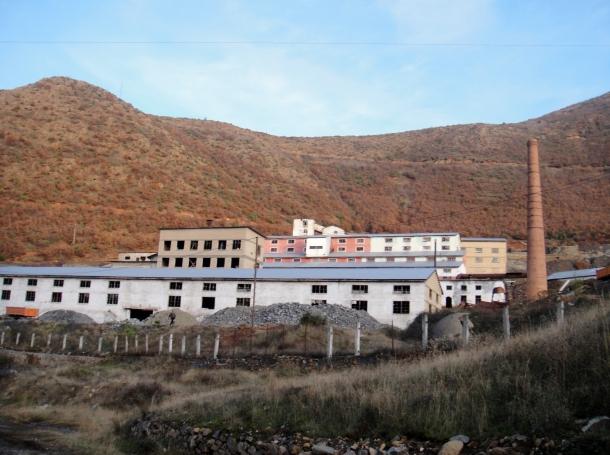 abandoned-factory-albania