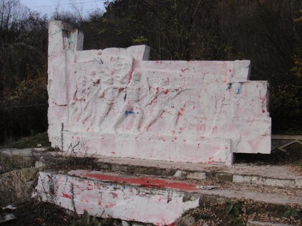 communist-monument-albania