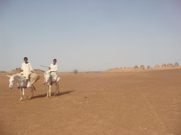 meroe-pyramids-nomads