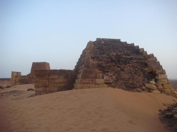 meroe_pyramids
