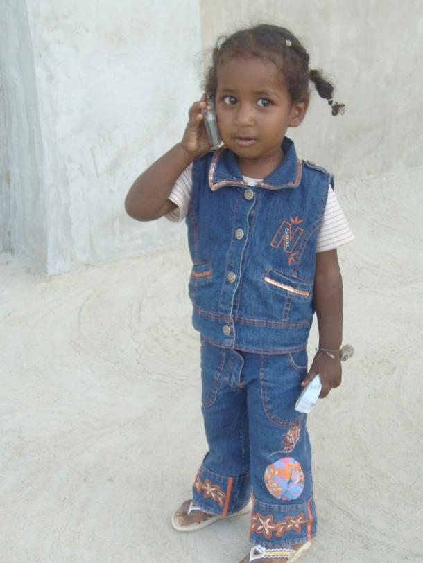 little-girl-on-phone