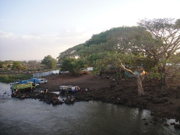 car wash on Nile River in Bahir Dar