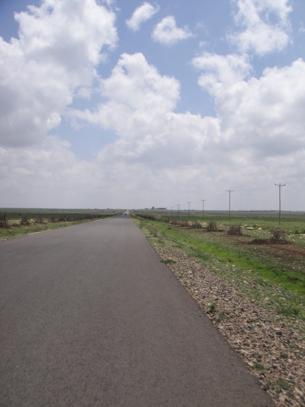 Jijiga road leading out of town - empty