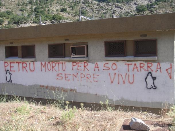 FLNC-graffiti-corsica