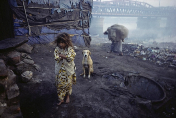 William Albert Allard, Child of the Dhobi Caste, Yamuna River, Delhi, 2002