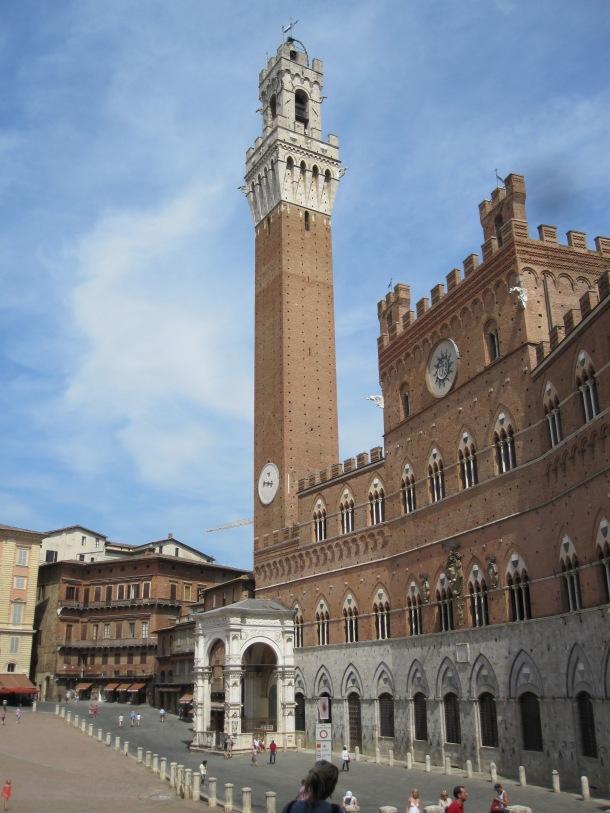 Piazza del Campo and Palazzo Comunale