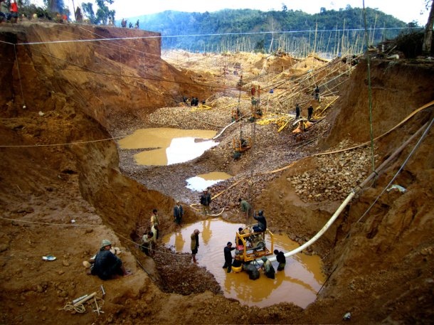 illegal Myanmar gold mine