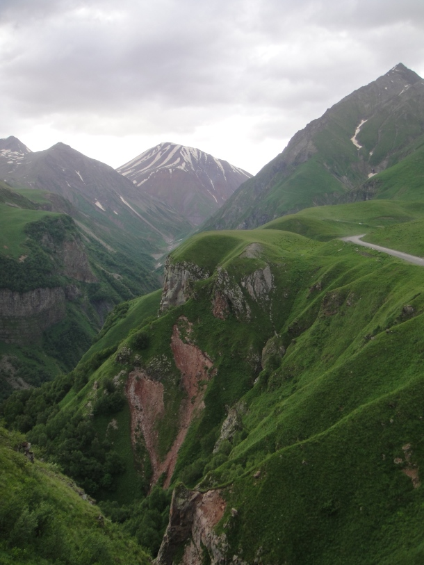 georgian military highway gudaur abyss
