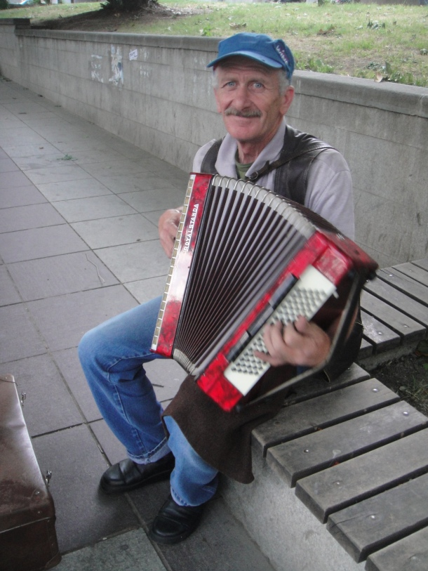 accordion player tbilisi