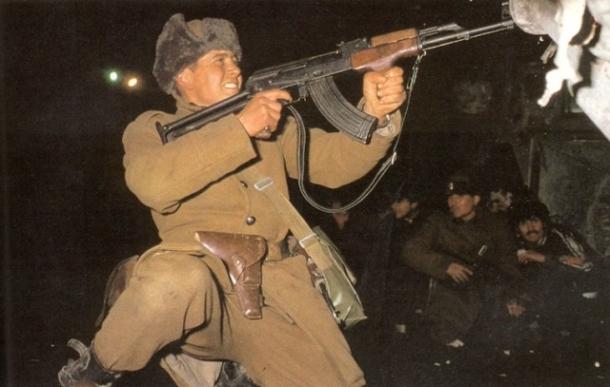 soldiers fighting 1989 revolution bucharest