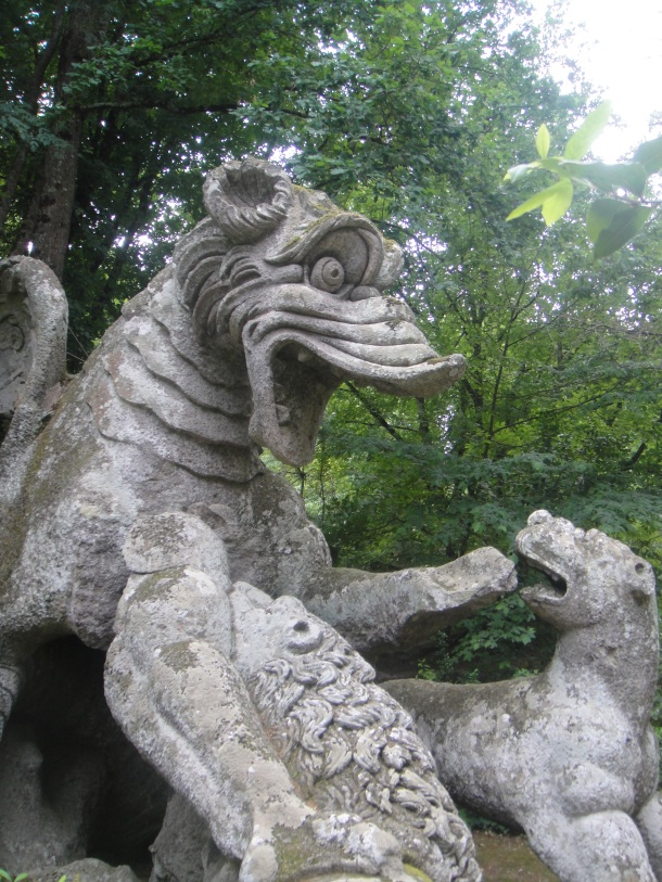 bomarzo dragon fighting lions