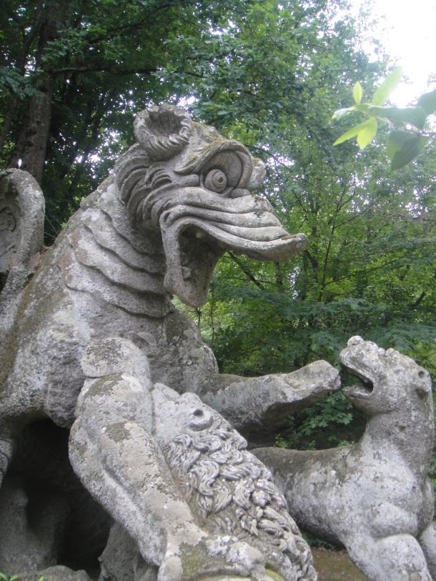 bomarzo dragon fighting lions