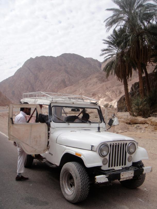 smugglers jeep sinai