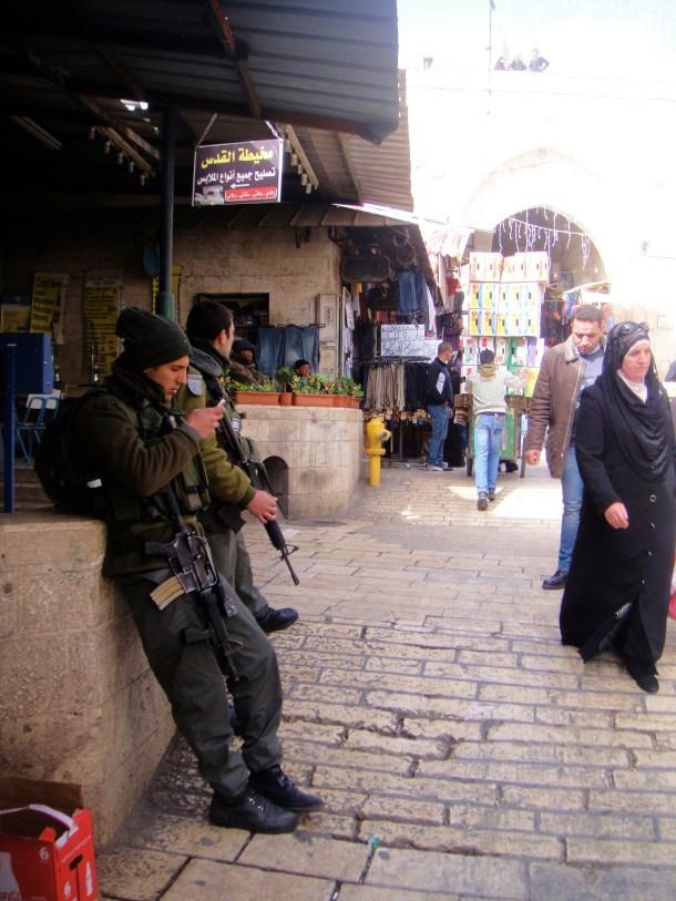 jerusalem old city soldiers