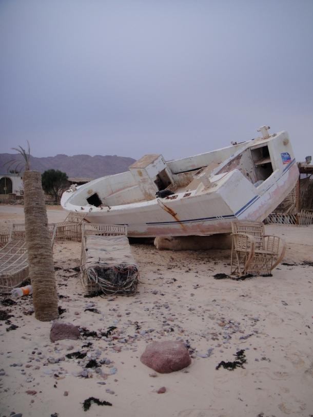 abandoned boat sinai