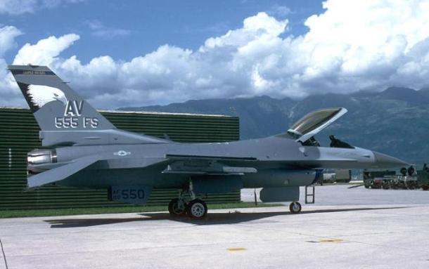 USAF F-16C block 40 #88-0550 with Aviano markings. It was shot down on May 2 1999