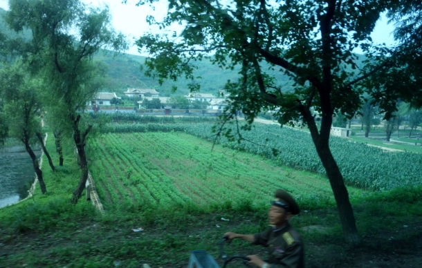 north-korean-soldier-in-countryside