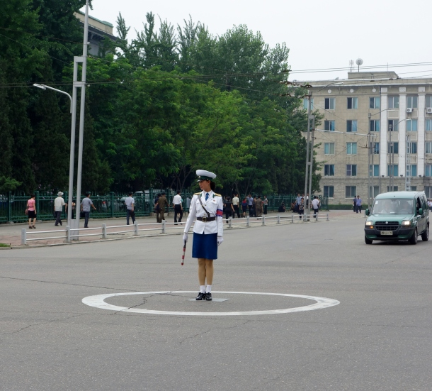 pyongyang-traffic-girl