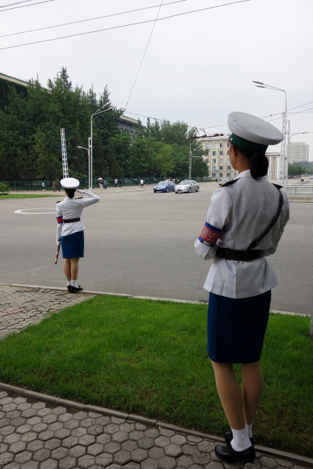 traffic-girls-north-korea
