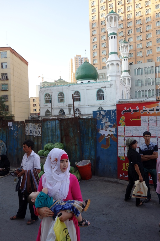 uighur-woman-xinjiang