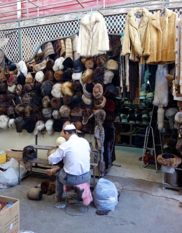 furrier-kashgar-market