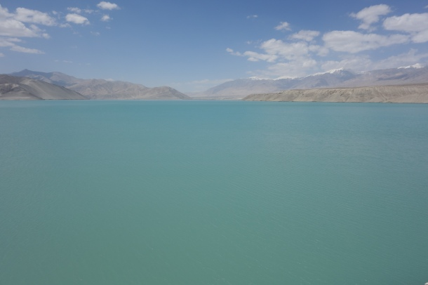 Karakoram-Highway-glacial-lake