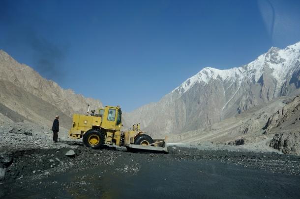 Karakoram-Highway-landslide