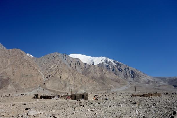 Karakoram-Highway-settlement