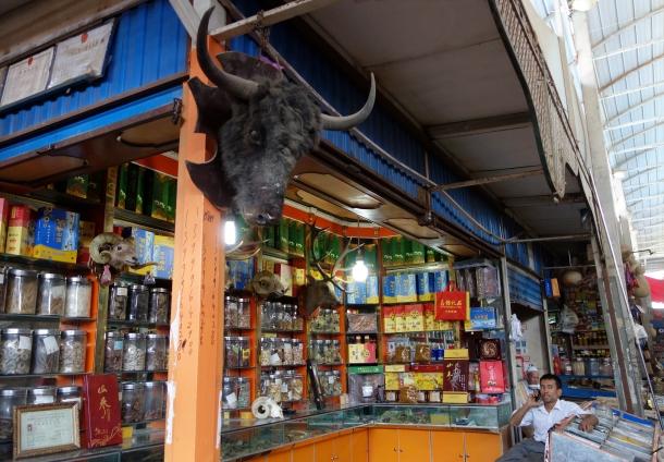 sunday-market-pavilion-kashgar