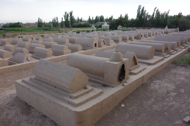 turpan-mosque-cemetery